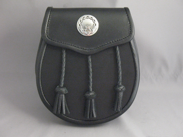 Black Leather Sporran with Claddagh Concho